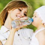 Как поить ребенка